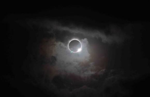 [Obrazek: eclipse-camilla-580x378.jpg]